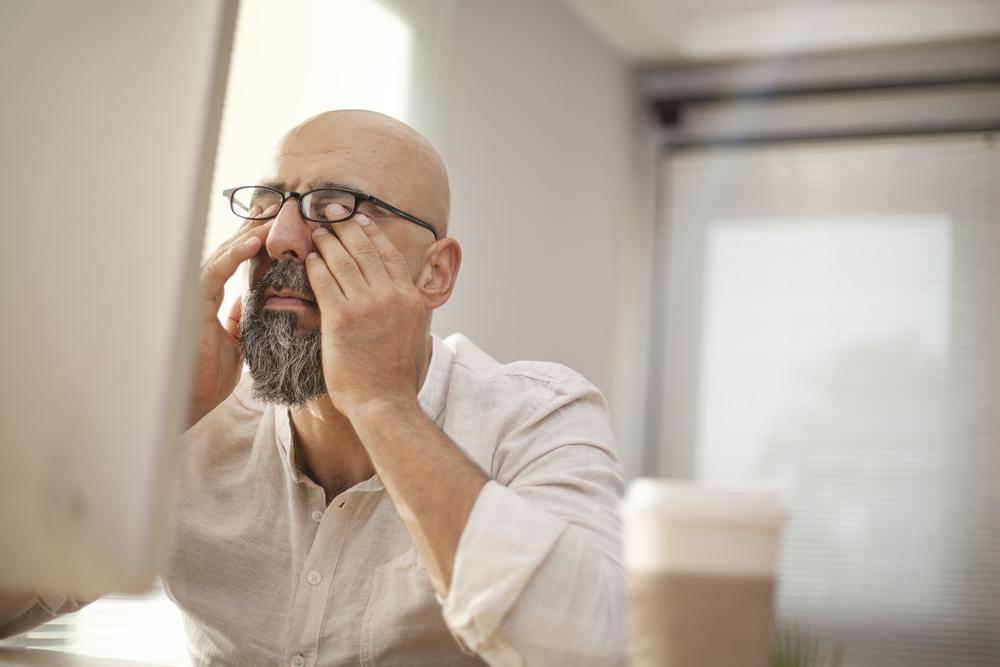 Comment limiter la fatigue visuelle quand on travaille devant un ordinateur toute la journée ?
