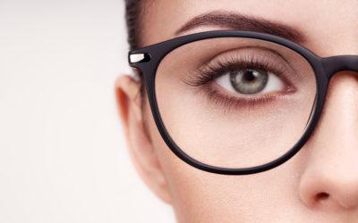 6 conseils maquillage pour celles qui portent des lunettes